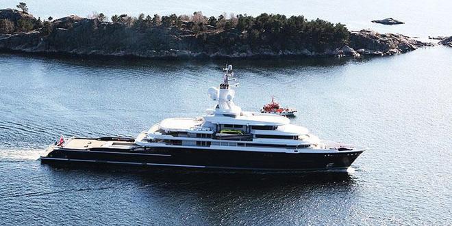 Luna, a luxury 115 meter Motor yacht  Luna, a luxury 115 meter Motor yacht  Luna 115 meter Motor yacht 5