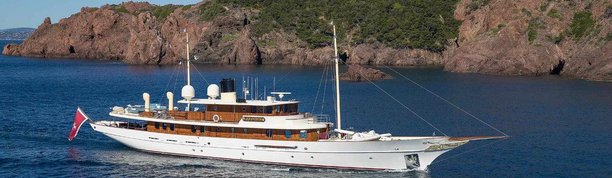1083_fecf5 luxury yacht A Celebrity Tale about a Luxury Yacht 1083 fecf5 1