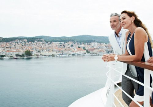 Luxury Cruises for the Holidays Season luxury cruises Luxury Cruises for the Holidays Season 3 Seabourn Encore 1 500x350