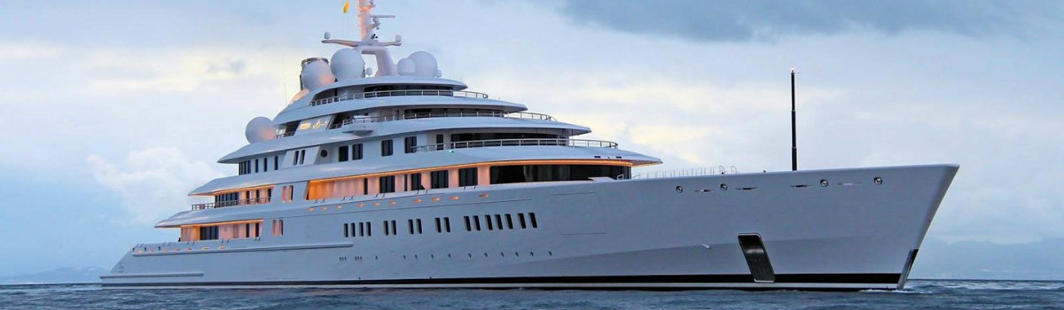 superyacht-azzam largest superyachts Be Amazed by the World's Largest Superyachts superyacht azzam
