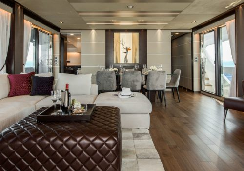 Discover the Sleek Interior Design of the Luxurious Horizon FD85 Yacht Interior Design Discover the Sleek Interior Design of the Luxurious Horizon FD85 Yacht featured 500x350