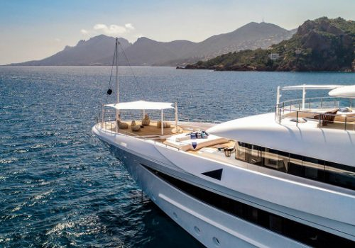 Luxury Superyachts: Be Enchanted by 9 Cloud Superyacht Sky-High Luxury luxury superyachts Luxury Superyachts: Be Enchanted by 9 Cloud Superyacht Sky-High Luxury featured 500x350
