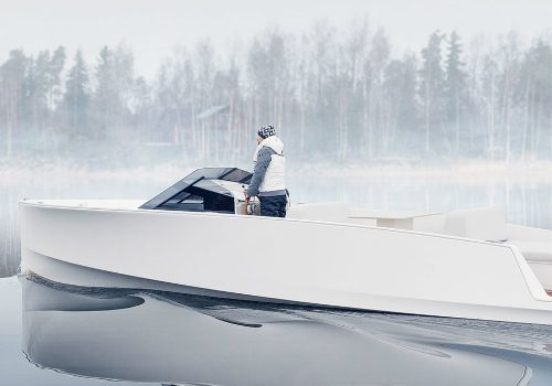 Meet the Minimalist Design of Q-Yachts' Latest Electric Motor Yacht minimalist design Meet the Minimalist Design of Q-Yachts' Latest Electric Motor Yacht featured 3 500x350