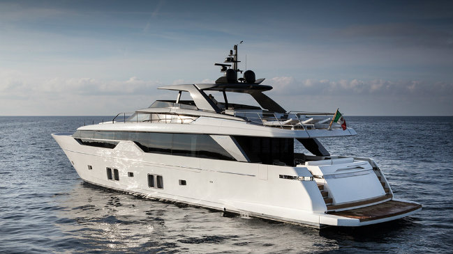 Sanlorenzo Sanlorenzo's SL102 causes debate regarding an Asymmetric Yacht Design destaque 1