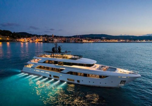 Navetta 42: Custom Line's Largest Yacht up to date Custom Line Navetta 42: Custom Line's Largest Yacht up to date destaque 2 500x350