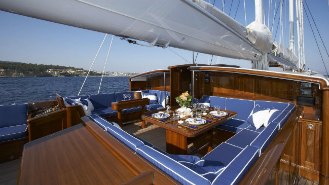 Royal Huisman Currently for sale: Royal Huisman's sailing yacht Meteor destaque meteor