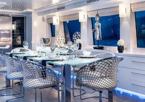 Hot on Pinterest: See these blue dining rooms inside of yachts blue dining rooms Hot on Pinterest: See these blue dining rooms inside of yachts IMG3 8 500x350