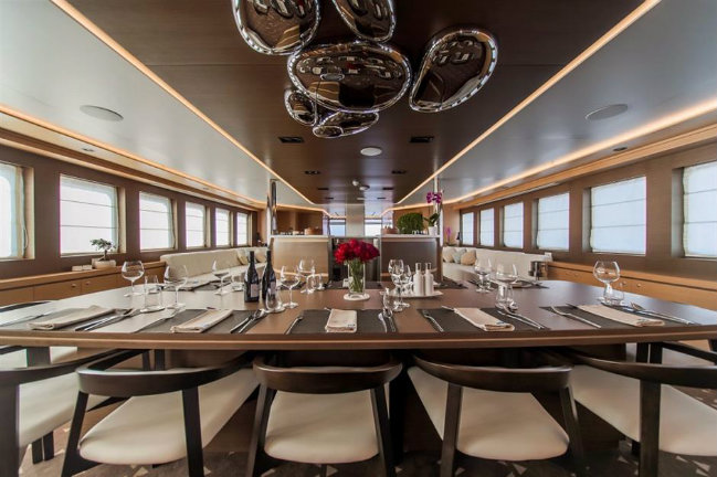 Aiaxaia yacht Have a look inside Aiaxaia yacht: a motorsailer currently for sale DESTAQUE 4