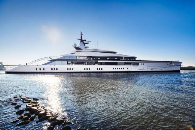 superyacht bravo eugenia Know more about the $250 million superyacht Bravo Eugenia FEATURE 2