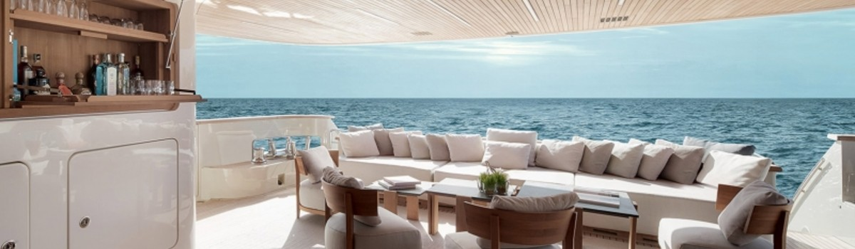 casual moveis Casual Moveis is a company that provides furniture for luxury yachts FEATURE 8