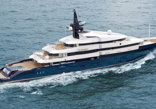 5 Most Stunning Superyachts Owned By Celebrities [object object] 5 Most Stunning Superyachts Owned By Celebrities 5 Most Stunning Superyachts Owned By Celebrities12 1 500x350