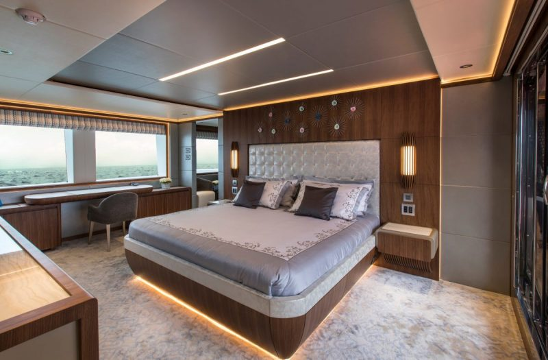 majesty 140 Majesty 140 Crowned The Best Of Show At FLIBS 2019 Majesty 140 Crowned The Best Of Show At FLIBS 2019 3 e1572869856148