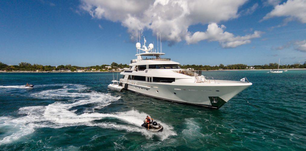 westport yachts Meet Westport Yachts, America's Yacht Builders Meet Westport Yachts Americas Yacht Builders 1014x500