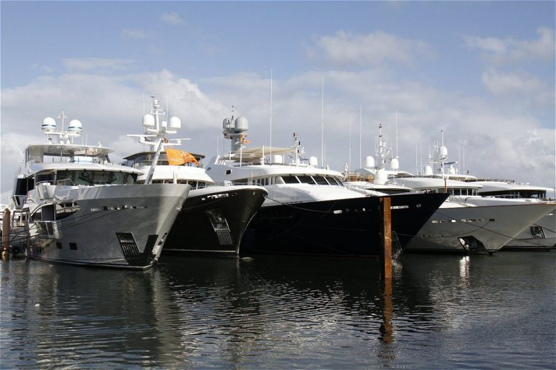 palm beach international boat show What To Expect From Palm Beach International Boat Show What To Expect From Palm Beach International Boat Show3 scaled e1580387276333